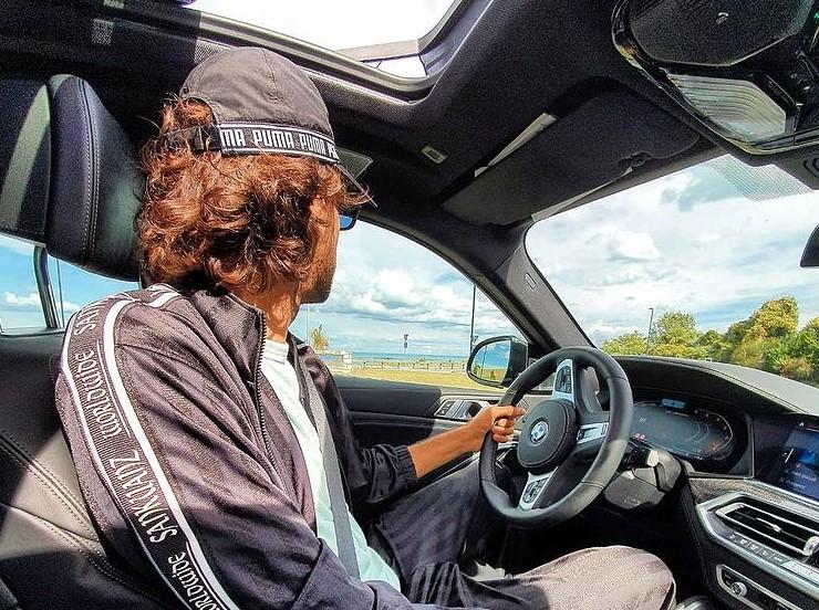 """""""Amo viaggiare veloce, in auto come nella vita. Ma con la testa"""""""